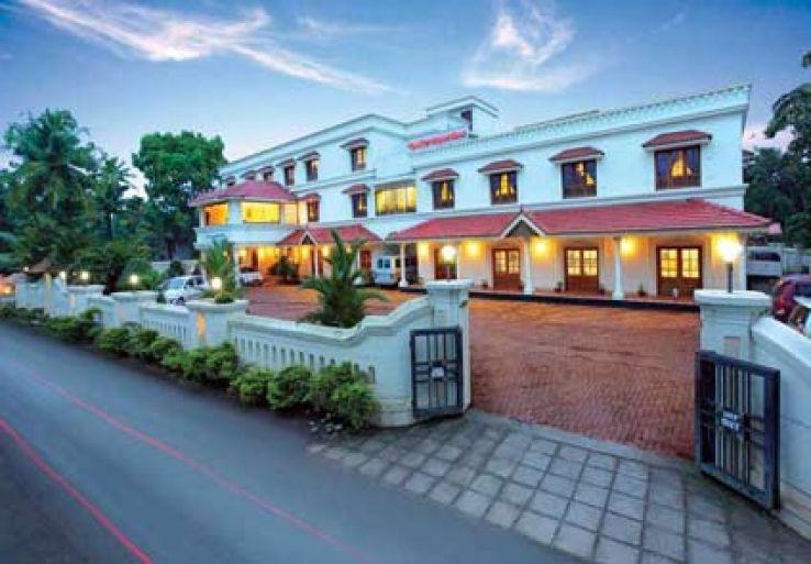 hotels near kochi airport - hello travel buzz