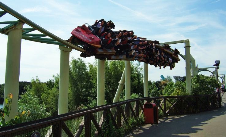 Top 10 Scariest Rides from Around the World - Hello Travel Buzz
